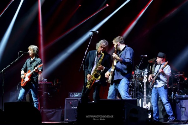 The Dire Straits Experience in Vienna 2019